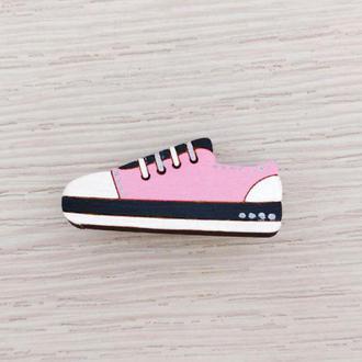 Розовый кроссовок