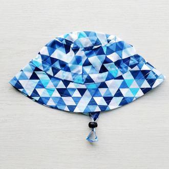 Панамка с утяжкой «Мелкие синие треугольники» 3 р. (55-57 см)