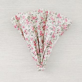 Косыночка на резиночке Мелкие цветы на бежевом 2 р (48-54см)