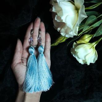 Серьги-кисти небесно-голубого цвета
