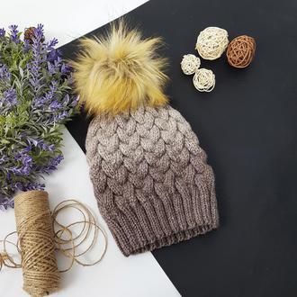 Bregoli design вязаная шапка без отворота с коричневым бубоном цвет градиент 54-55см