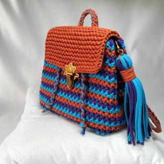 Вязаный рюкзак в стиле бохо