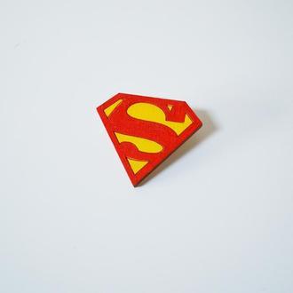 Деревянный значок-брошь Супермен