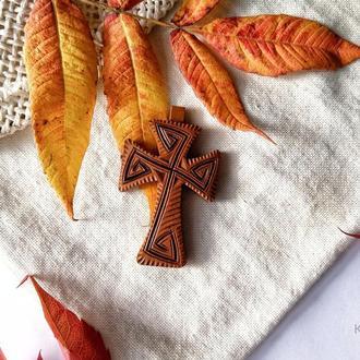 Дерев'яний натільний хрестик