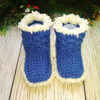 Вязаные пинетки-носочки