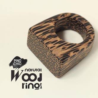 Женское кольцо из чёрной пальмы