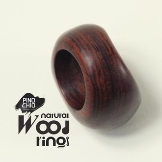 Женское кольцо из экзотического дерева