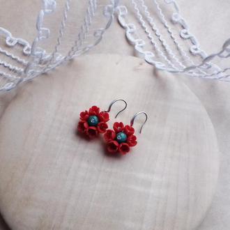 Красно зеленые цветочные серьги, серьги с цветами, цветы ручной работы