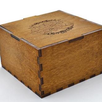 Подарочная коробка с индивидуальной гравировкой