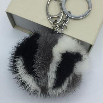 Меховый брелок из натуральной норки Орнаментальный в подарочной коробке.