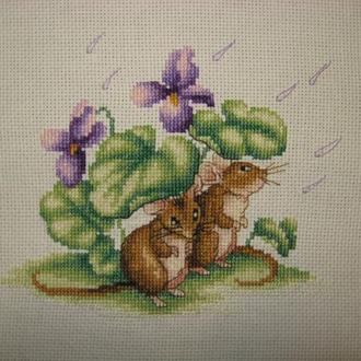 Милые мышата