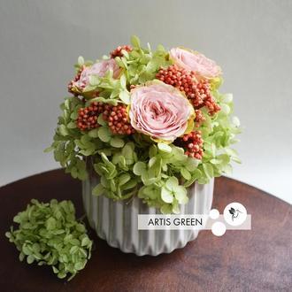 Композиция из стабилизированных цветов и растений «Bright lines 2»