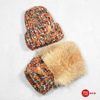 Вязаный снуд с натуральным мехом лисы и шапка с отворотом