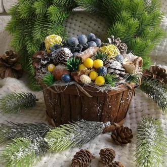 Новогодняя интерьерная композиция «Кашпо «Голубика»
