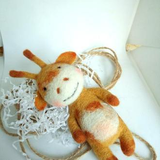Жирафик валяная игрушка жираф игрушка из шерсти валяние подарок на святого николая новый год