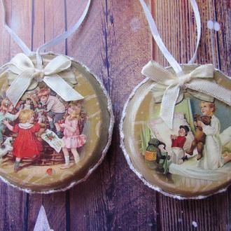 Деревянная игрушка-медальон на елку