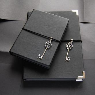 Блокнот с черными листами и ручкой в комплекте (подарок на новый год)