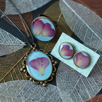 Комплект украшений с лепестками Розы: кулон + кольцо + серьги-гвоздики