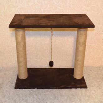 Когтеточка - лежанка с двумя столбиками