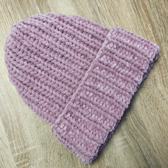 Шапка вязаная цвета пыльной розы нежно-розовая велюр новая handmade теплая зима