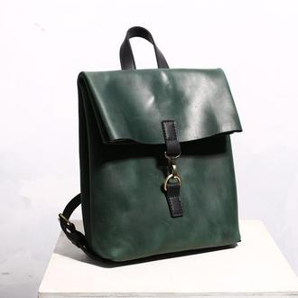Женский кожаный рюкзак Adam зеленого цвета