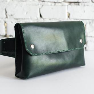 Женская кожаная сумка на пояс (зеленого цвета)