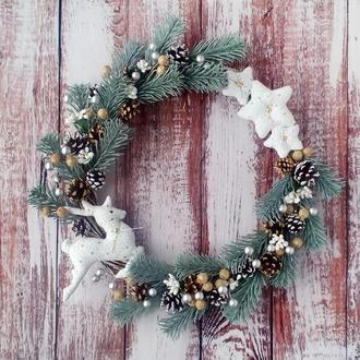 Рождественский (новогодний) венок с оленем