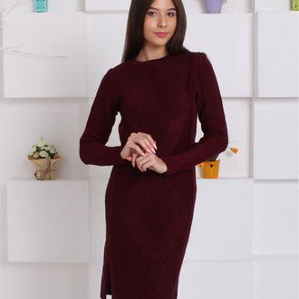 Вязанное платье с разрезами