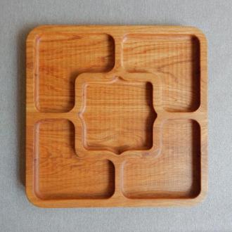 Кухонная тарелка менажница на пять секций. Декоративные подносы. Подносы.Доски для подачи из дуба.