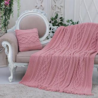 Мягкий и нежный вязаный плед цвета розовой пудры с бахромой