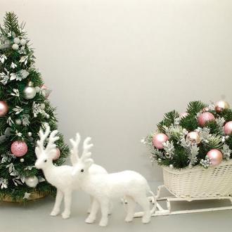 Новогодние (Рождественские) сани с елкой и оленями