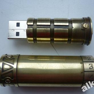 Флешка с кодовым замком КРИПТЕКС стимпанк, единственная в своем роде