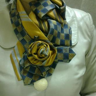 Украшение из винтажных галстуков