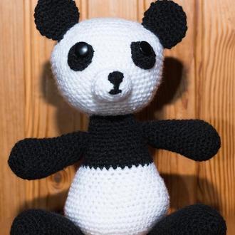 "Игрушка ""Панда"" вязаная крючком"