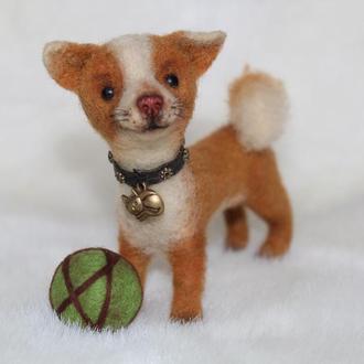 Собачка с мячиком