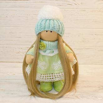 Интерьерная куколка в мятных тонах