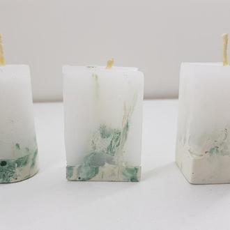 Продам набор свечей из бетона (h-6 см.) - белый с зеленым