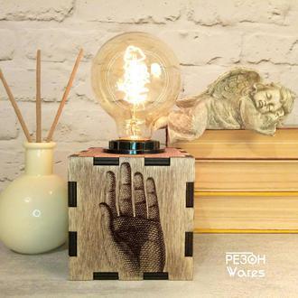 Настольная Лампа Рука