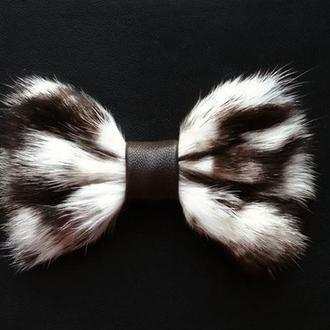 Галстук-бабочка из меха дикой кошки.Original fur bow tie.