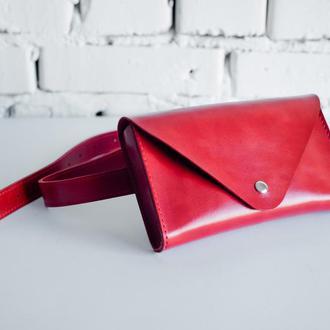 Женская кожаная сумка Envelope на пояс, красного цвета