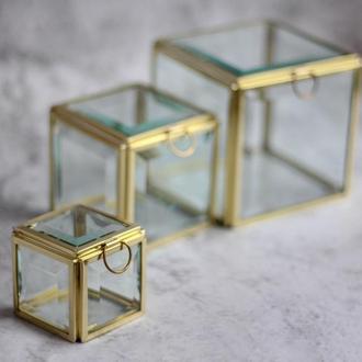 Маленькая кубическая шкатулка