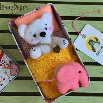 Плюшевый Мишка в коробочке