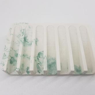 мыльница из бетона - белая с зеленым