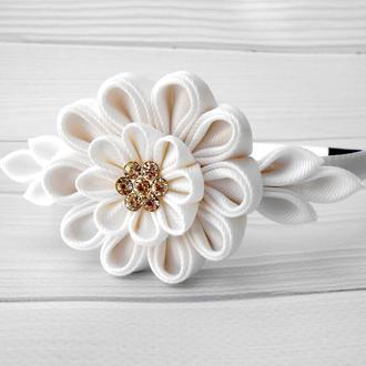 Белый нарядный ободок для волос Обруч на голову Украшение девочке Подарок на день рождение