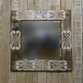 Настенное зеркало с узором