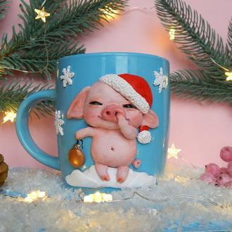 чашка ,кружка с декором полимерной глиной Новогодний поросенок!Подарок к Новому году!