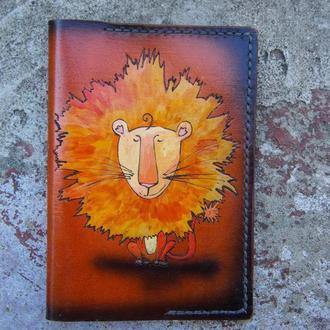 Кожаная обложка на паспорт лев, обложка для паспорта, подарок льву