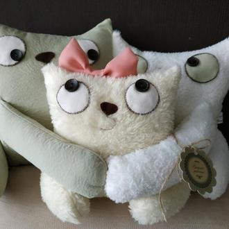 """Интерьерная подушка """"Кошачье семейство"""""""
