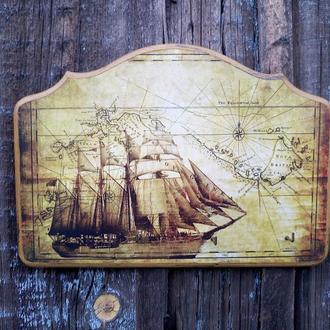 Ключница настенная декоративная в прихожую морская тематика Вешалка для ключей Парусник