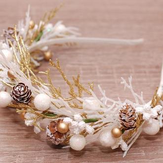 Обруч ободок новогодний с веточками и шишечками